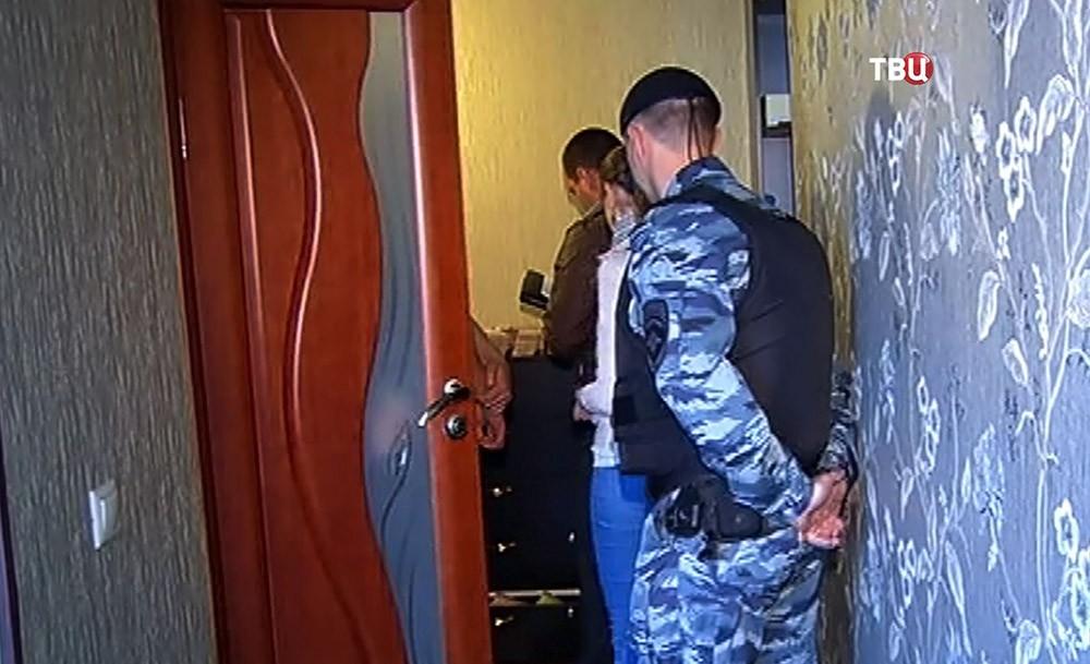"""Полиция проводит обыск в доме руководителя секты """"бога Кузи"""""""