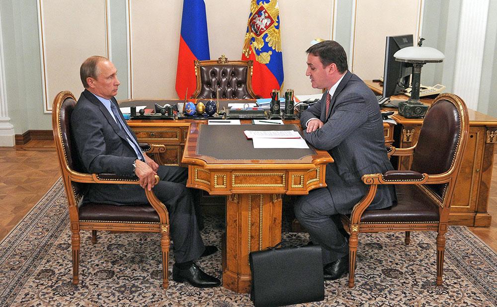Президент России Владимир Путин и председатель правления «Россельхозбанка» Дмитрий Патрушев