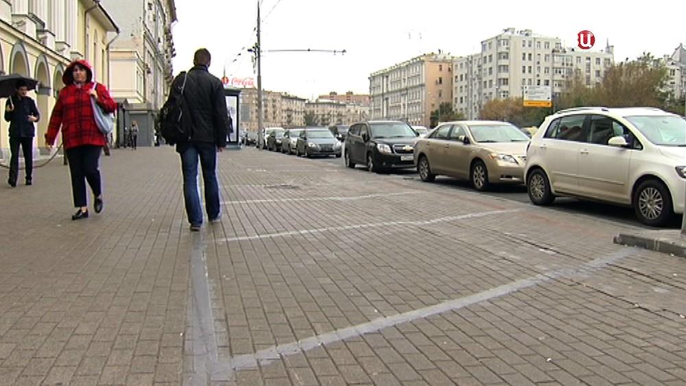 Тротуар свободный от парковки
