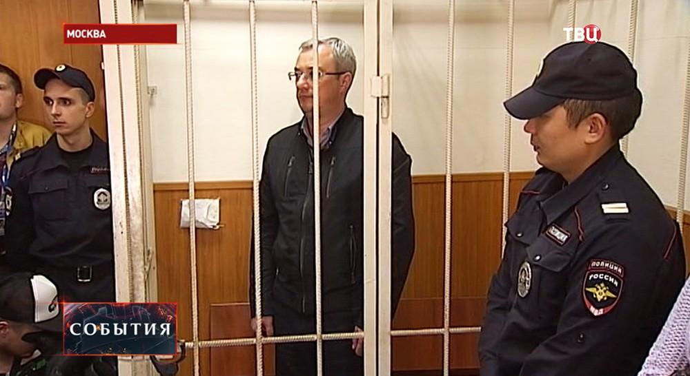 Глава республики Коми Вячеслав Гайзер в зале суда
