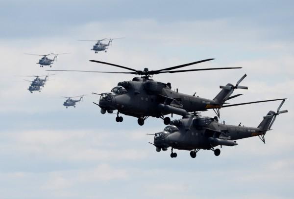 Вертолеты Ми-35. Видны X-образные рулевые винты