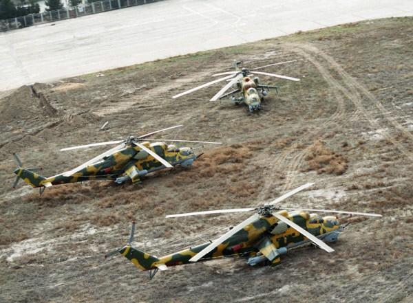 Вертолеты Ми-24 на аэродроме Кабула