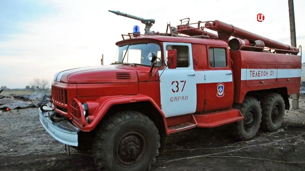Пожарные машины на месте возгорания в Рязанской области
