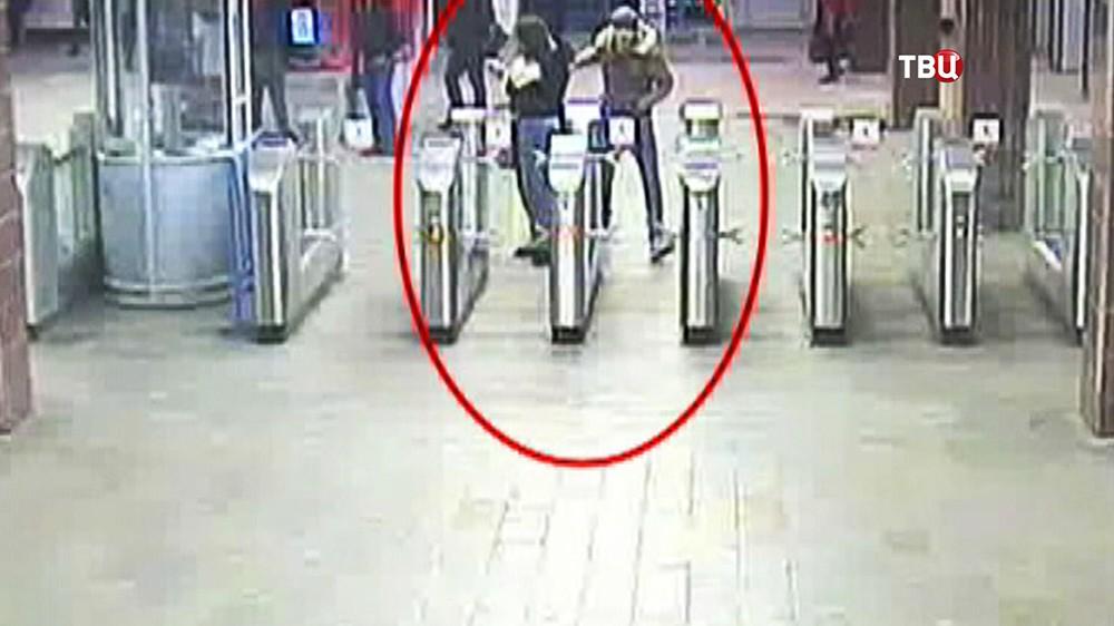 Карманник в метро