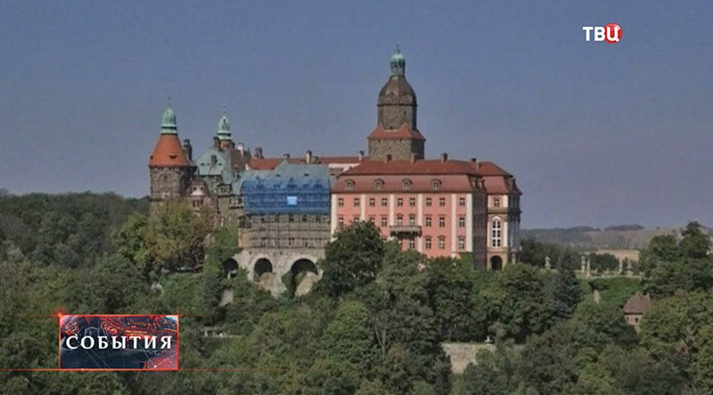 Замок Ксёнж в Польше