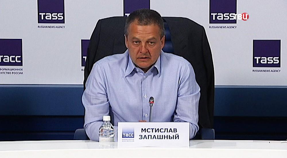 Дрессировщик Мстислав Запашный