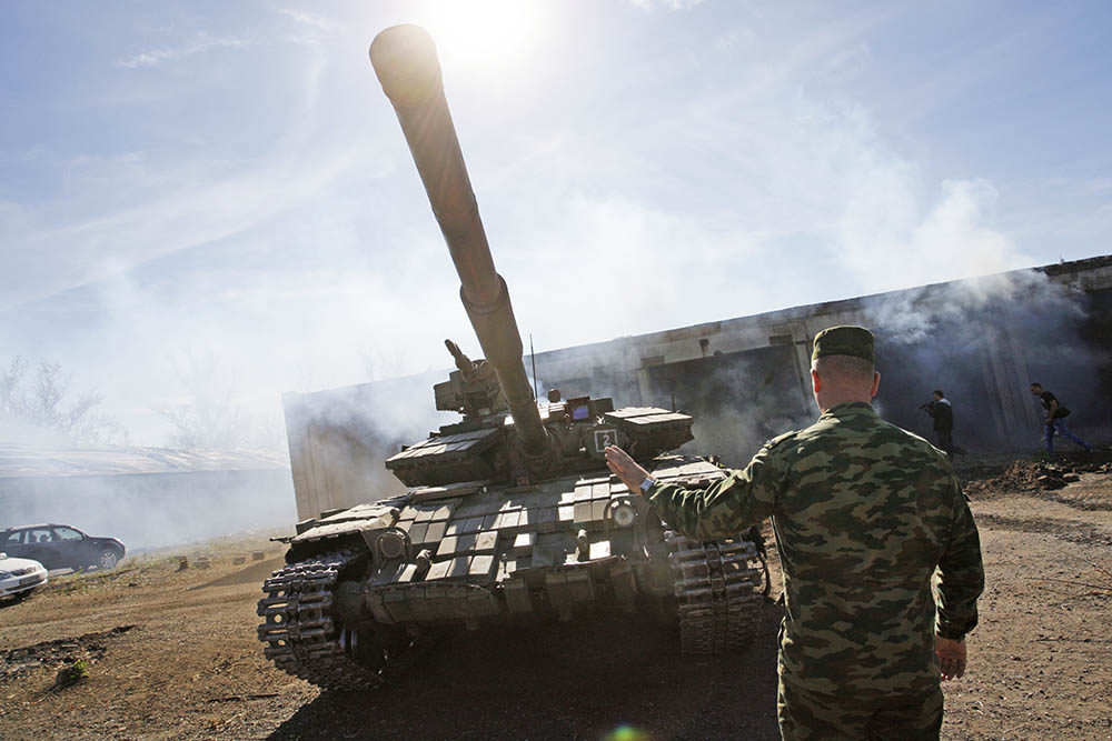 Отвод военной техники народного ополчения Донбасса