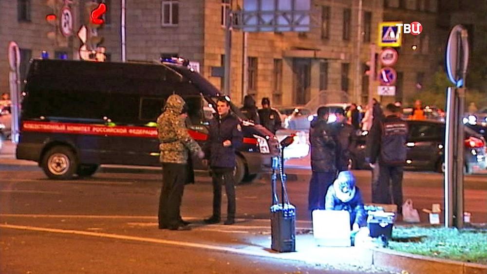 Следственные действия на месте взрыва в Санкт-Петербурге