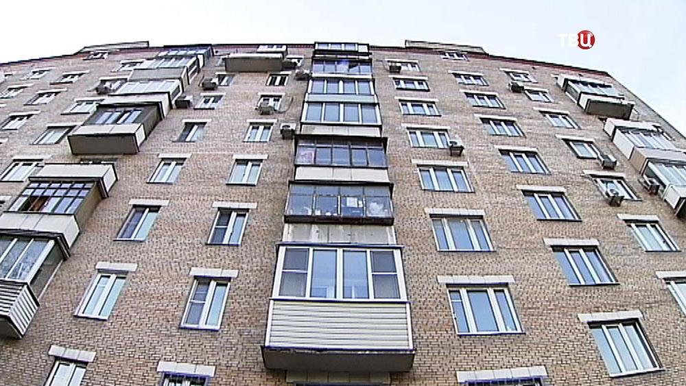 Окна жилого дома