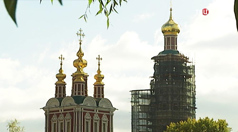 Колокольня Новодевичьего монастыря