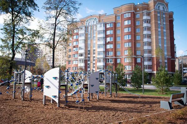Благоустройство дворовой территории в районе Варшавского шоссе