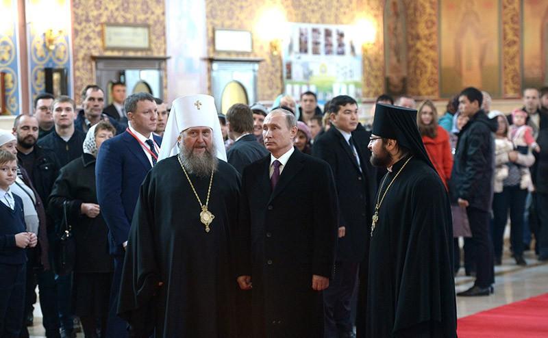 Владимир Путин в Свято-Успенском соборе