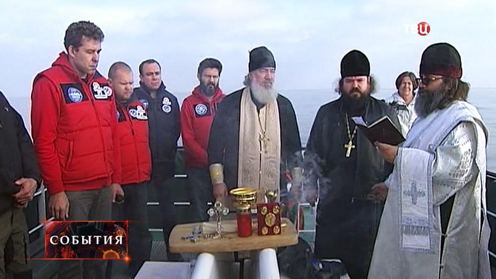 Молебен по погибшим морякам затонувшей советской подлодки