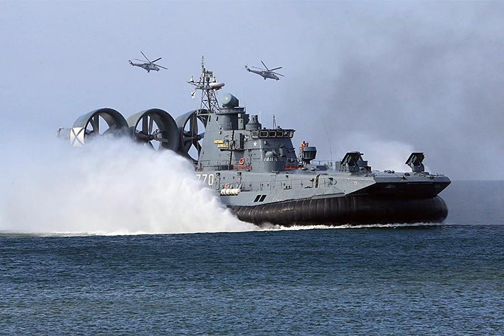 Малый десантный корабль на воздушной подушке