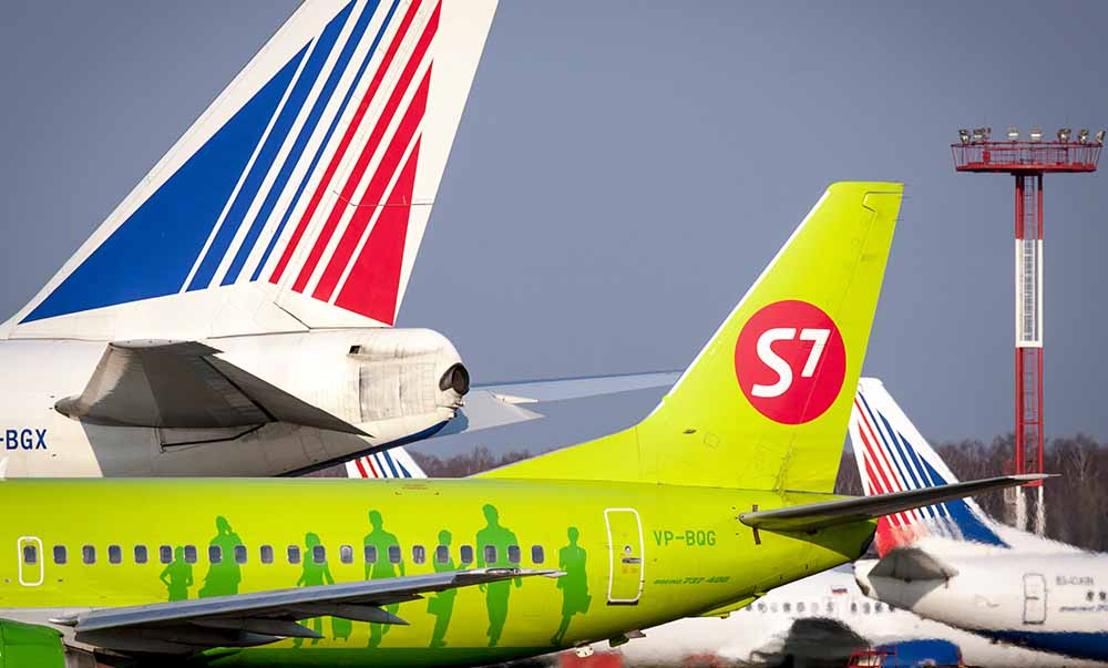 """Самолеты авиакомпаний """"Трансаэро"""" и S7"""