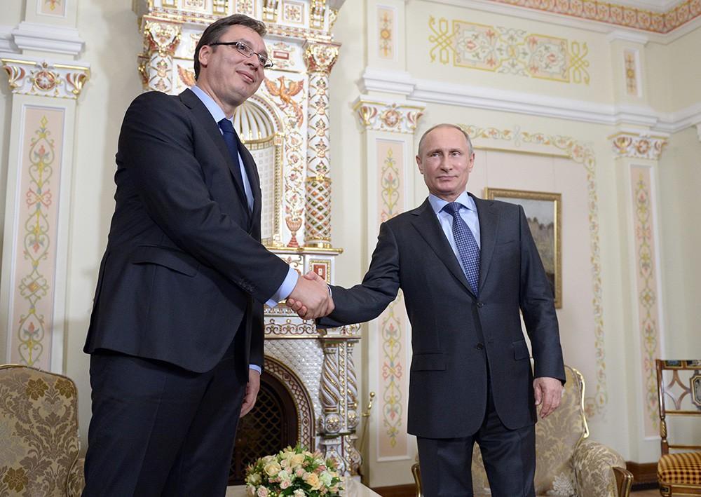 Президент России Владимир Путин и Александр Вучич во время встречи