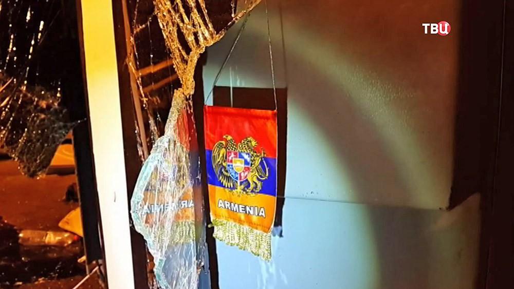 Флаг Армении в разбившемся автобусе
