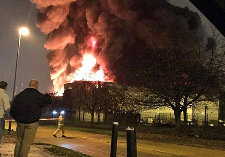 Пожар в пригороде Лондона
