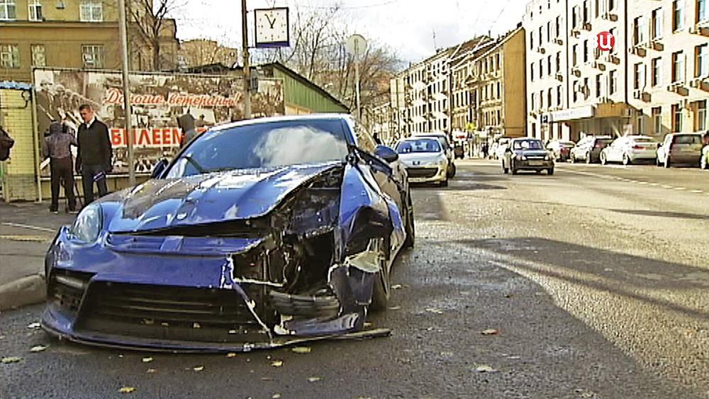 Разбитый автомобиль Джабраила Аюбова