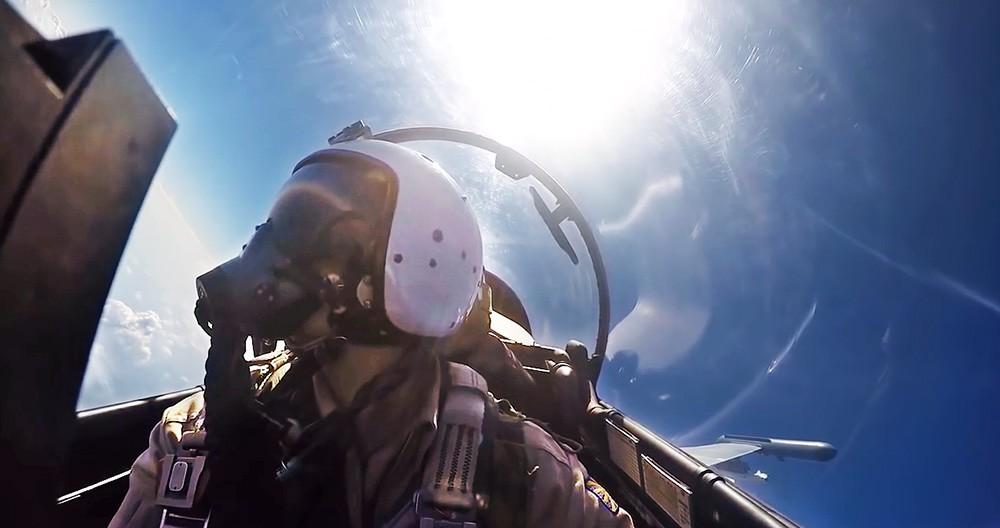 Пилот ВКС России во время боевого вылета в Сирии