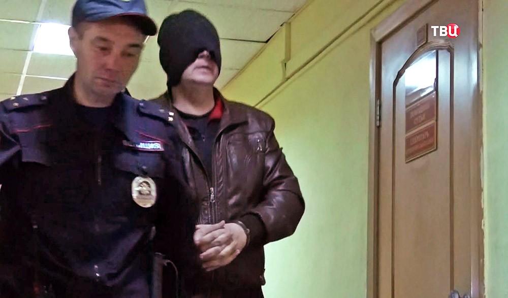 """Суд над главарем банды """"черных"""" риелторов"""