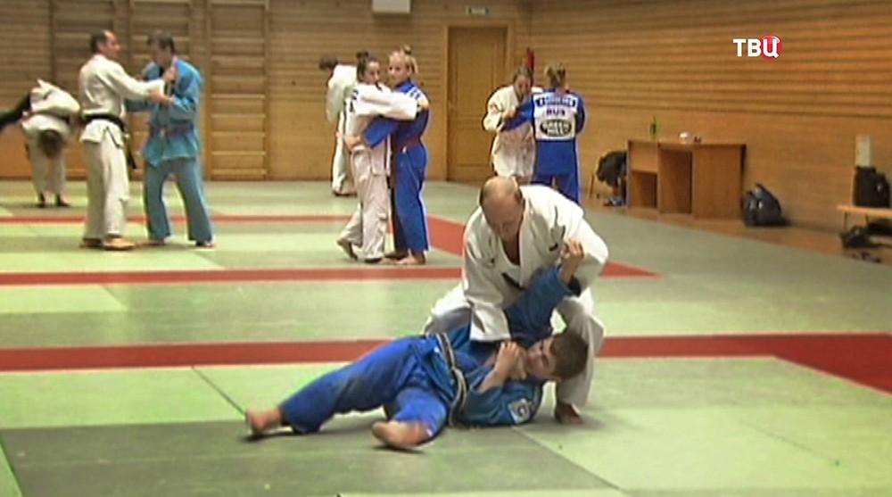 Владимир Путин занимается карате