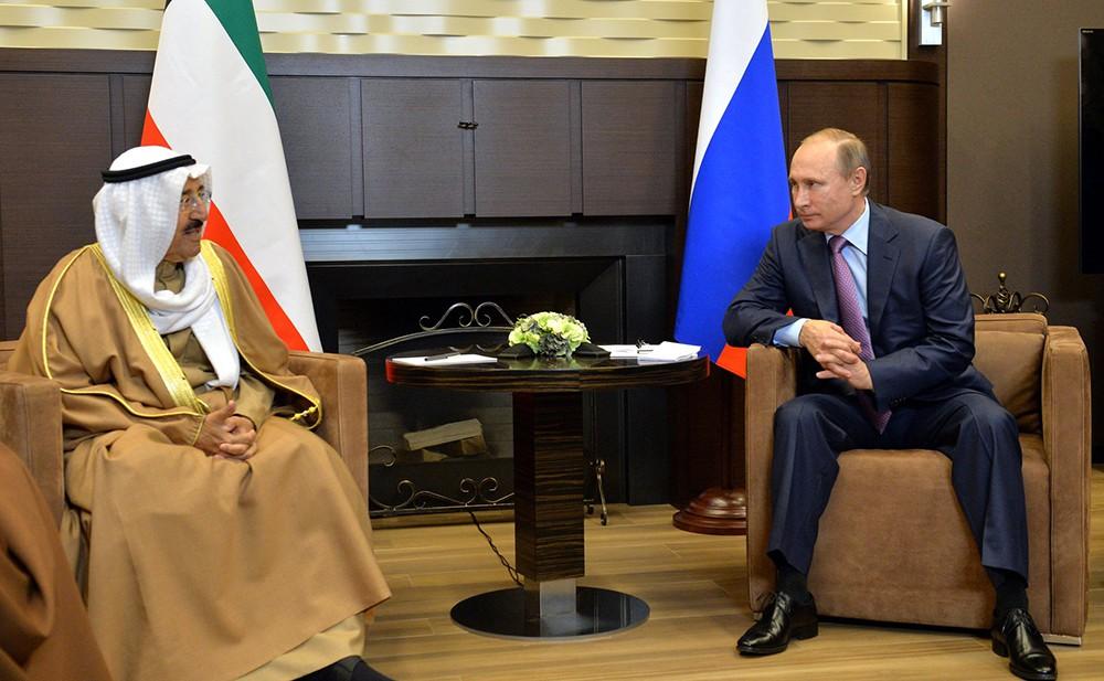 Президент России Владимир Путин и эмир Кувейт Сабах аль-Ахмед ас-Сабах