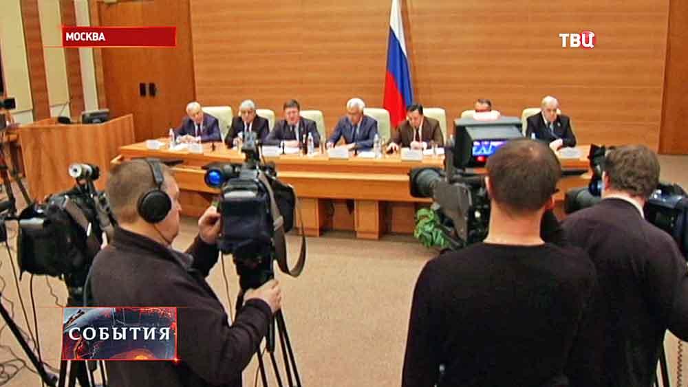 """Пресс-конференция членов партии """"Единая Россия"""""""