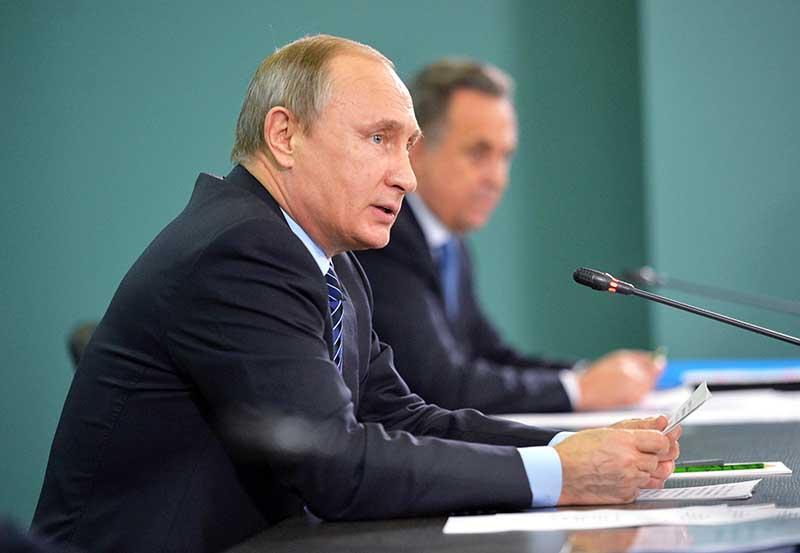 Президент России Владимир Путин и министр спорта РФ Виталий Мутко