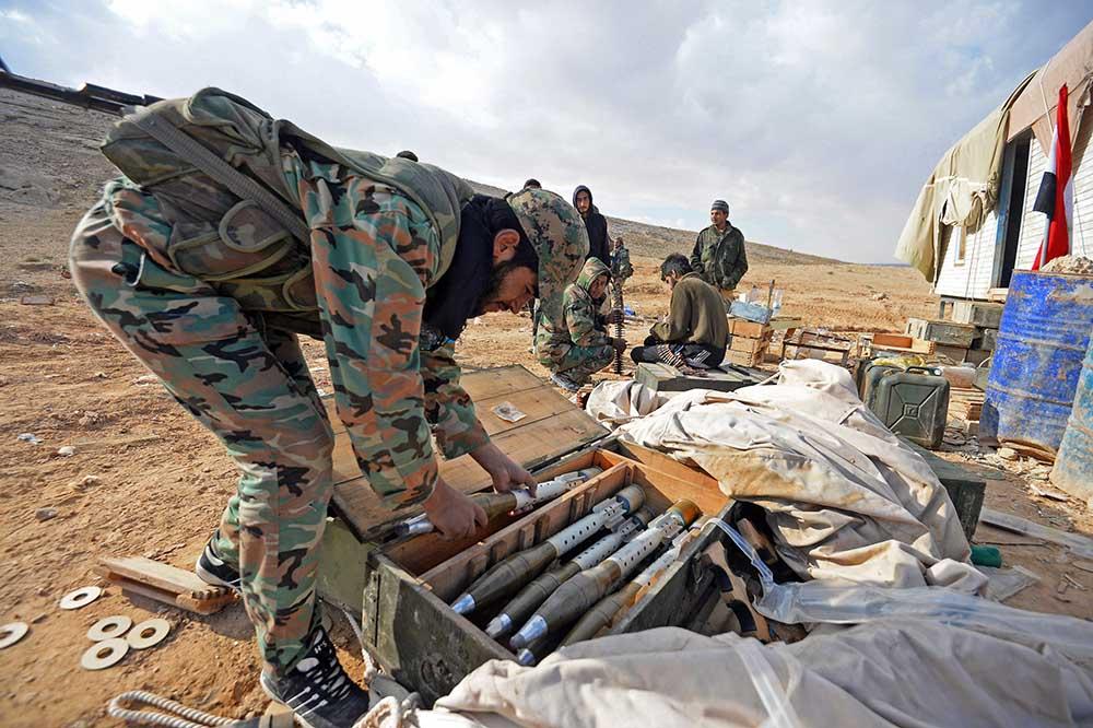 Солдаты Сирийской Арабской Армии на боевых позициях