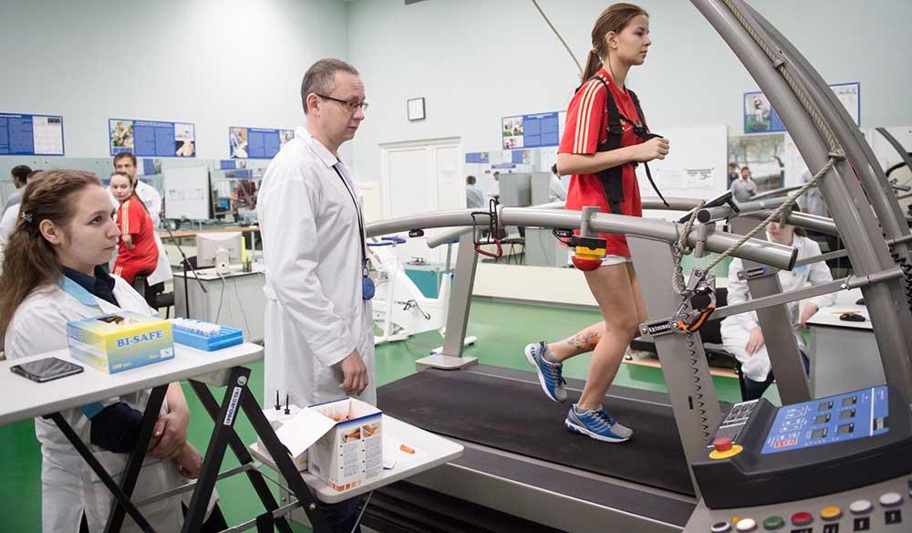Спортсмены Московского училища олимпийского резерва