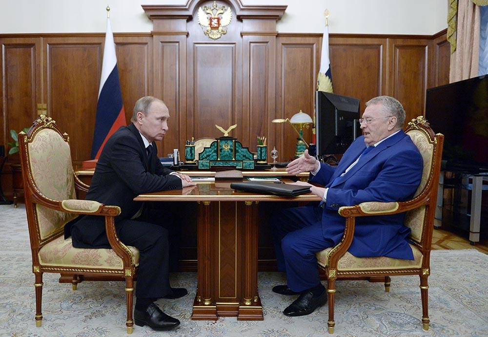 Президент России Владимир Путин и лидер ЛДПР Владимир Жириновский во время встречи в Кремле