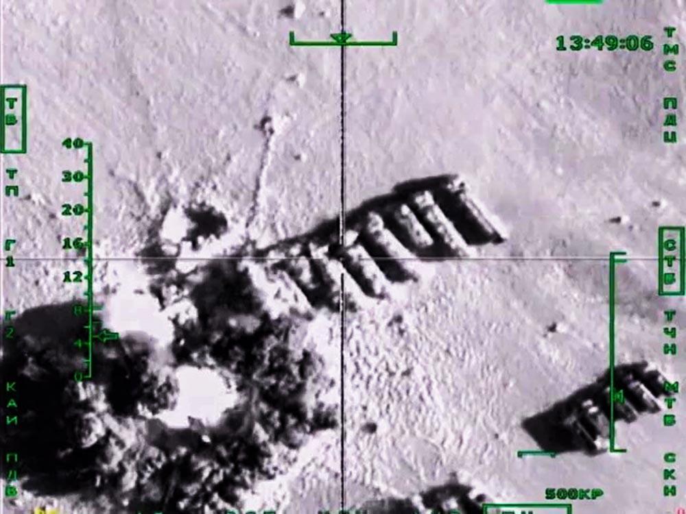 Авиационный удар по колоннам бензовозов, перевозящих нефтепродукты в интересах террористических организаций