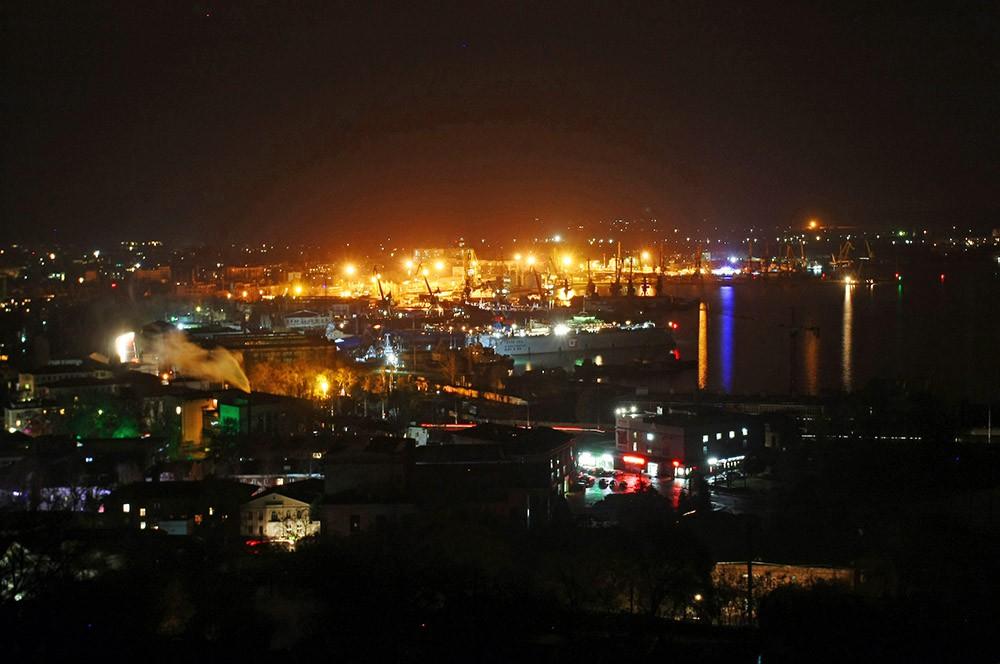 Бизнес в Керчи будет отключен от электроэнергии только в пиковые часы