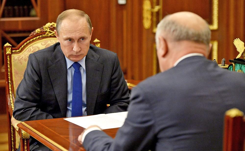 Президент России Владимир Путин и губернатор Самарской области Николай Меркушкин