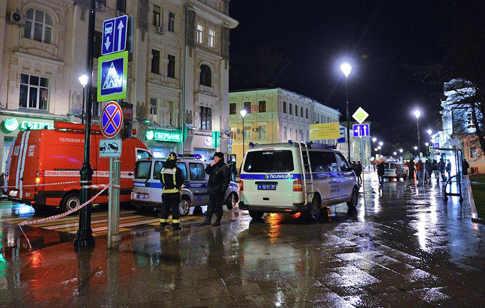 Полиция на месте взрыва в Москве