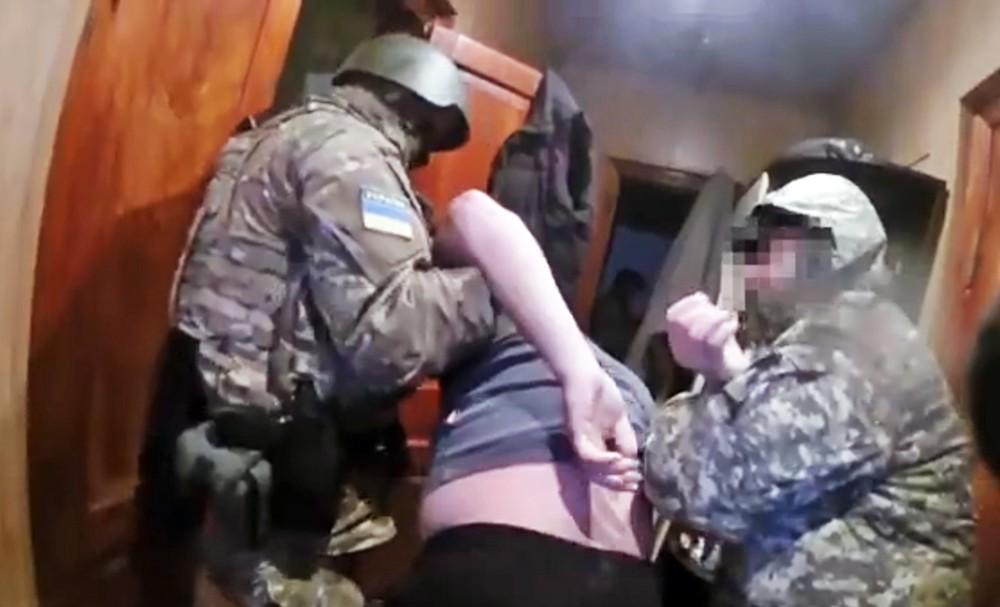 Картинки по запросу Пытки в СБУ на донбассе
