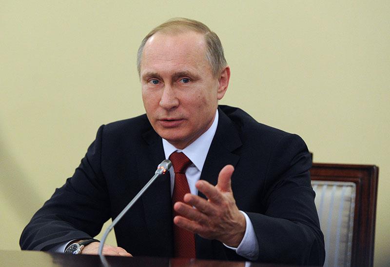 Президент России Владимир Путин на встрече в Санкт-Петербурге с судьями Конституционного Суда России