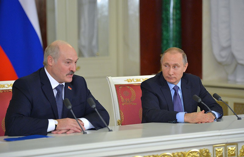 Президент России Владимир Путин и президент Белоруссии Александр Лукашенко во время встречи в Кремле