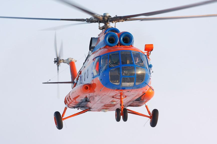 Вертолет Ми-8 в воздухе
