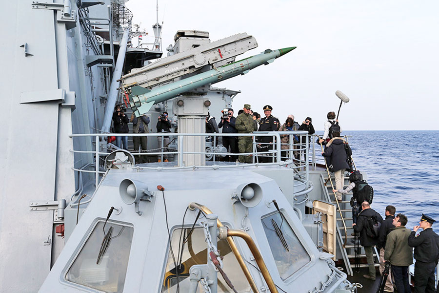 Работа журналистов на борту ракетного крейсера «Москва» у берегов Сирии