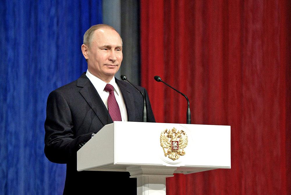 Владимир Путин на торжественном вечере, посвящённом Дню спасателя