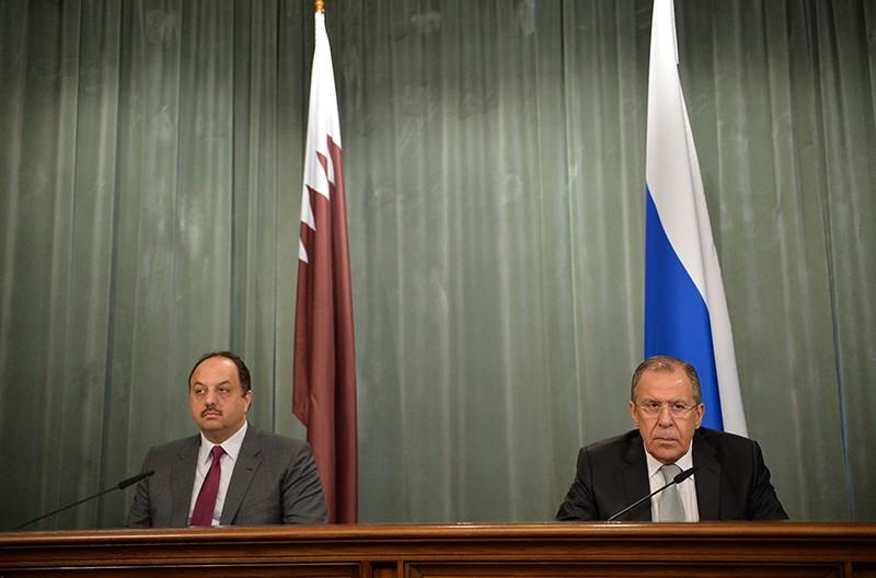 Глава МИД Катара Халед Бен Мухаммед Аль-Атыйи и глава МИД России Сергей Лавров