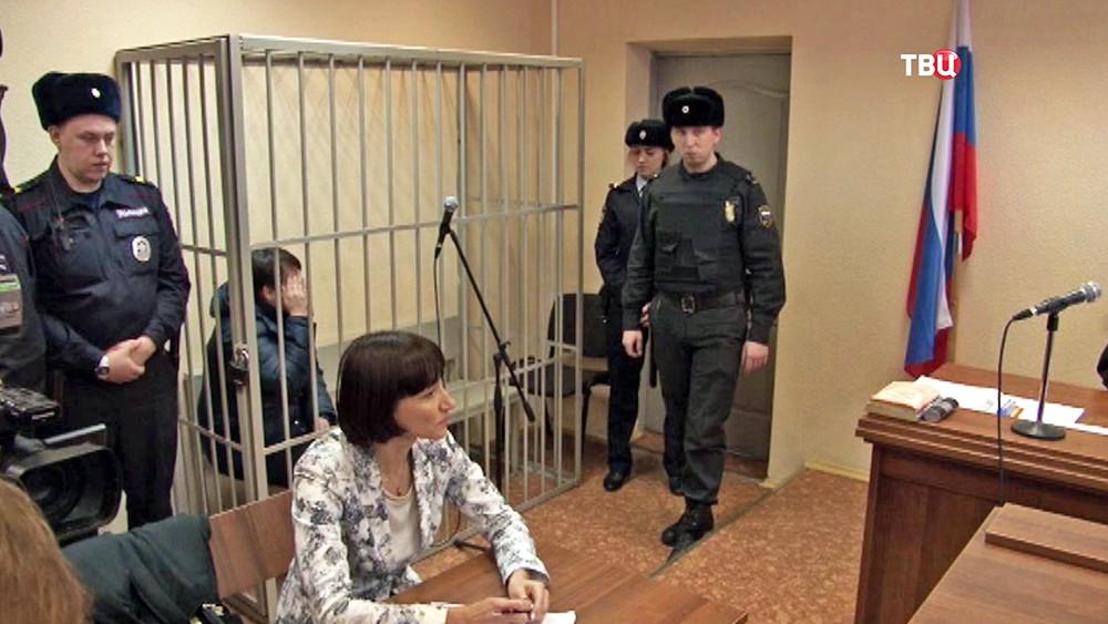 Подозреваемая в отравлении сына крысином ядом в суде