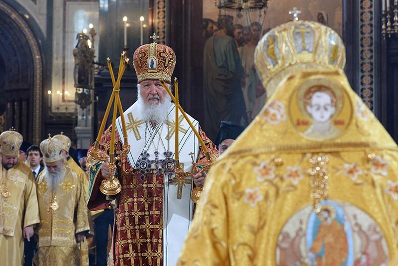 Патриарх Московский и всея Руси Кирилл проводит богослужение в храме Христа Спасителя