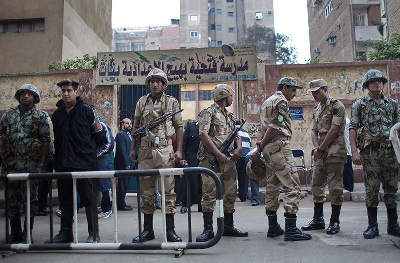 Военнослужащие и полиция Египта на месте происшествия