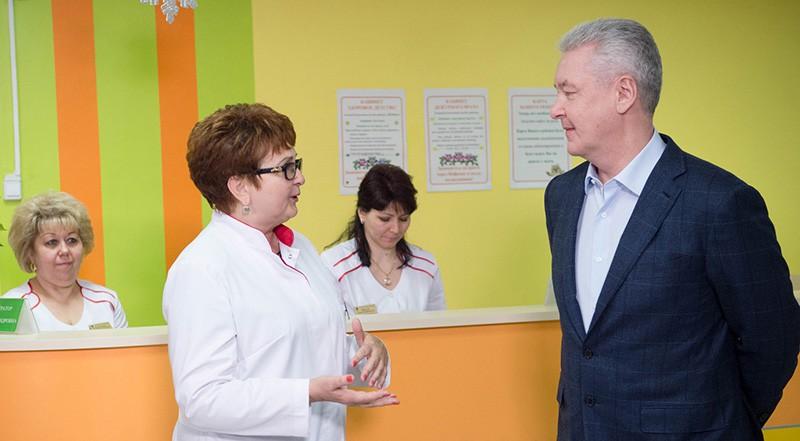 Сергей Собянин в детской городской поликлинике