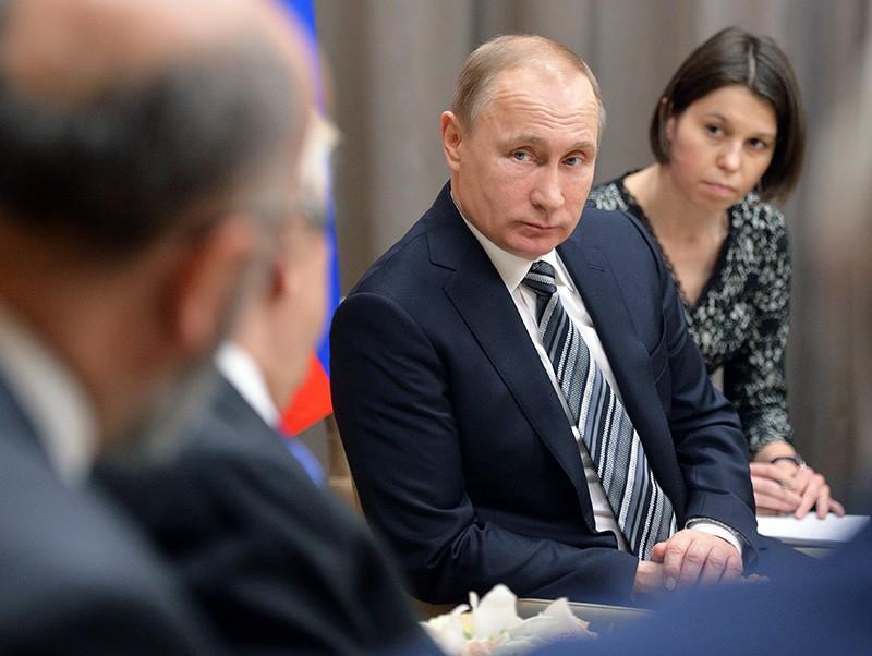 Президент России Владимир Путин во время встречи с президентом Греческой Республики Прокописом Павлопулосом