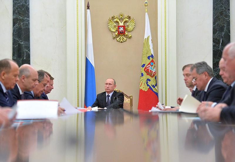 Президент России Владимир Путин проводит в Кремле заседание Комиссии по вопросам военно-технического сотрудничества (ВТС)
