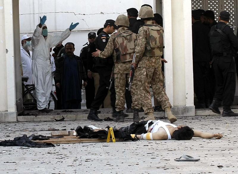 Военная полиция Пакистана на месте происшествия